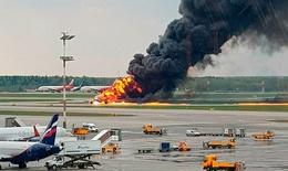 41 người thiệt mạng trong đó có 2 trẻ em khi máy bay Nga bốc cháy phải hạ cánh khẩn cấp