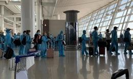 Đón gần 340 công dân Việt Nam tại Hàn Quốc về nước, hành khách được cách ly tập trung