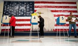 Hàng triệu người Mỹ đi bầu cử