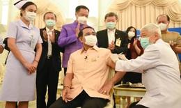 Thủ tướng Thái Lan  tiêm vắc-xin ngừa COVID-19