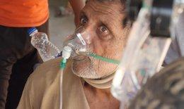 Thảm cảnh tại Ấn Độ:  Tìm được ôxy, người bệnh đã cận kề cái chết