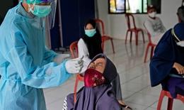 """Hội Chữ thập đỏ cảnh báo Indonesia  """"bên bờ thảm họa COVID-19"""""""