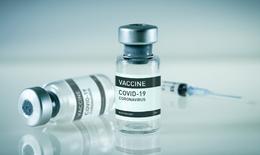 Cân nhắc tiêm liều thứ ba vắc xin phòng COVID-19?
