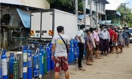 Nối gót Ấn Độ và Indonesia, Myanmar lâm cảnh thiếu ôxy cho người mắc COVID-19
