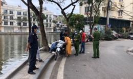 Công an phường Trúc Bạch xử phạt 3 trường hợp không đeo khẩu trang nơi công cộng