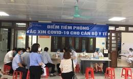 Tiêm vắc xin cho lực lượng tham gia chống dịch tại Bắc Giang