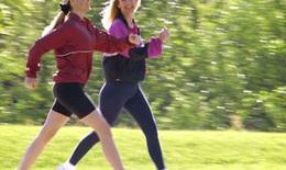 Tập thể dục hằng ngày – Bí kíp giảm nguy cơ đột quỵ ở phụ nữ trung niên