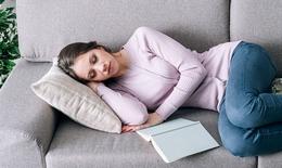 9 điều không nên làm trước khi ngủ