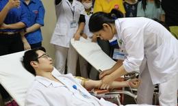 BV Việt Nam – Thụy Điển Uông Bí: Ngày hội Blouse trắng, trái tim hồng vì người bệnh