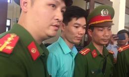 Chuyện cảm động bên lề phiên toà xét xử bác sĩ Lương
