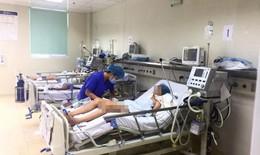 Con bị viêm não Nhật Bản nguy kịch, mẹ hối hận vì không tiêm phòng đầy đủ