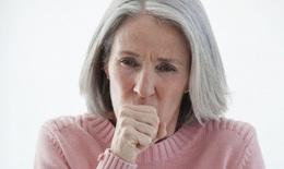 Đề phòng các bệnh người cao tuổi dễ mắc lúc giao mùa