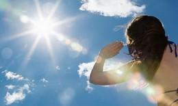 Nắng nóng gay gắt ở Miền Bắc vào ngày cuối tuần, chỉ số UV ở ngưỡng có nguy cơ gây hại
