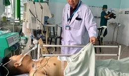 Bác sĩ thâu đêm cấp cứu cứu sống bệnh nhân tai nạn giao thông nguy kịch