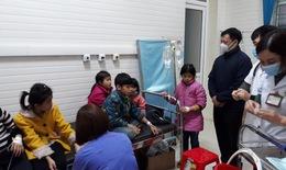 Hà Giang: 32 học sinh nhập viện vì ngộ độc thực phẩm sau khi mua đồ ăn ở cổng trường