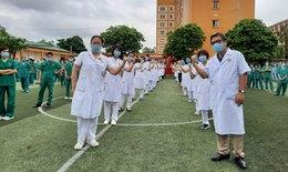 """Quảng Ninh: Cử 200 nhân viên y tế, ủng hộ 4 tỷ đồng """"tiếp sức"""" Bắc Giang chống dịch"""
