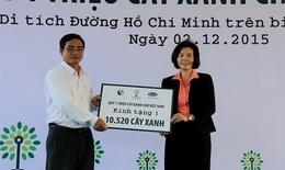 Vinamilk và quỹ 1 triệu cây xanh trồng cây tại khu di tích đường Hồ Chí Minh trên biển và trao tặng sữa tại Bến Tre