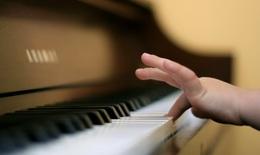 Âm nhạc có thực sự thúc đẩy sự phát triển trí não ở trẻ?