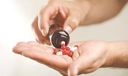 Tại sao vi khuẩn kháng thuốc ngày càng gia tăng?
