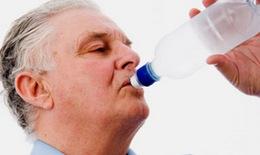 Khắc phục chứng khô miệng ở người cao tuổi
