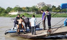 Sà lan đâm chìm ghe trên sông Sài Gòn, hai mẹ con mất tích