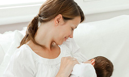 Cho con bú giảm nguy cơ bệnh đa xơ cứng