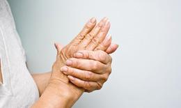 Nên làm gì khi bị bệnh tê bì tay chân?