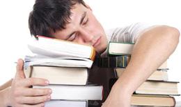Làm gì để không ngủ gật khi học bài?