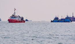 Cứu 11 ngư dân gặp nạn trên biển