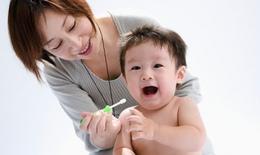 Cách chăm sóc răng miệng cho bé