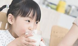 Trẻ uống sữa  có dễ bị tiêu chảy không?