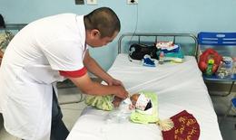 3 lần phẫu thuật cứu trẻ 10 tháng bị hoại tử ruột