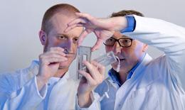 Súng bắn da chứa tế bào gốc - Giải pháp mới chữa bỏng