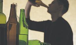 Lạm dụng chất gây nghiện ở trẻ vị thành niên và thanh niên