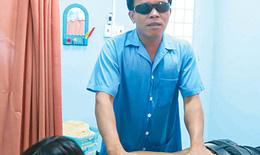 Xoa bóp bấm huyệt - phát huy thế mạnh của người khiếm thị