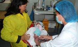 Trẻ sơ sinh phải tiêm vắc-xin viêm gan B trong 24 giờ sau sinh, vì sao?