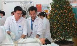 Bệnh viện khám xuyên Tết, tổ chức chuyến xe miễn phí phục vụ bệnh nhân