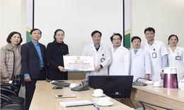 Công đoàn Y tế VN  thăm hỏi, động viên bác sĩ BV Bệnh Nhiệt đới TW
