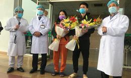 2 bệnh nhân COVID-19 khỏi bệnh: Chúng tôi cảm ơn tất cả các thầy thuốc đã tận tình cứu chữa