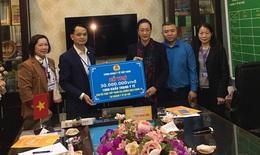 CĐYT VN trao hỗ trợ cho cán bộ ngành y tế Hà Nội tham gia chống dịch COVID-19
