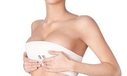 Phẫu thuật nâng ngực: Những nguy cơ tiềm ẩn từ nhu cầu làm đẹp