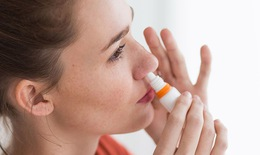 Mắc bệnh tim mạch, hoang tưởng do lạm dụng thuốc thông mũi