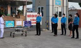 Trao hỗ trợ hơn 300 cán bộ y tế đang cách ly tại BV Bệnh Nhiệt đới TW cơ sở 2