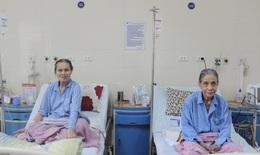 Kỳ lạ: 2 cụ bà cùng tuổi, cùng xóm, đều mắc ung thư đại tràng được cứu sống