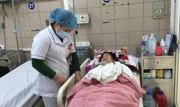 La liệt bệnh nhân cấp cứu do rượu, bác sĩ cảnh báo ngộ độc rượu dịp Tết