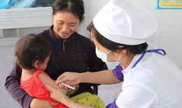 Đưa vắc xin bại liệt tiêm IPV vào sử dụng miễn phí bên cạnh vắc xin đường uống