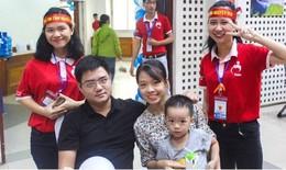 Kỷ niệm ngày cưới, cả gia đình cùng rủ nhau hiến máu cứu người