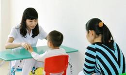 """Bác sĩ BV Nhi Trung ương """"bật mí"""" 4 hoạt động hỗ trợ giao tiếp cho trẻ tự kỷ"""