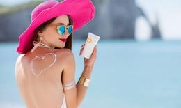 Bác sĩ mách bạn chăm sóc da đúng cách khi đi biển ngày hè, ai cũng cần biết