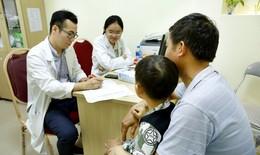 Hàng trăm trẻ được khám sàng lọc, siêu âm miễn phí các dị tật bẩm sinh
